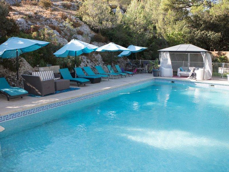 Spacieuse villa au coeur de la colline Saint Jacques, holiday rental in Cavaillon