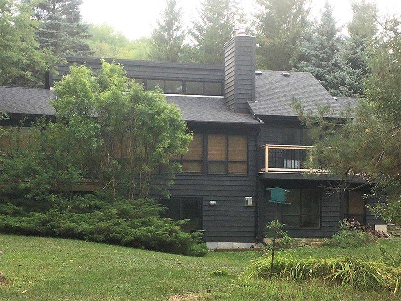 Chateau Rouge Beaver Valley, Sleeps 8, 30 Mins to Blue Mountain, location de vacances à Grey County