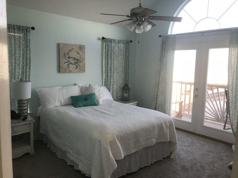Ohana- 3 Bedroom And A Loft On The Water!, aluguéis de temporada em Grand Bay