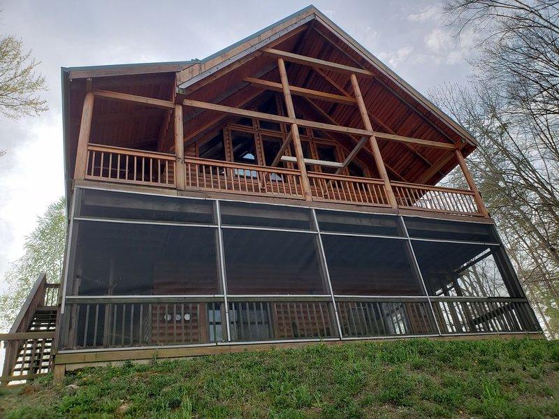 terraza y patio con vista al lago