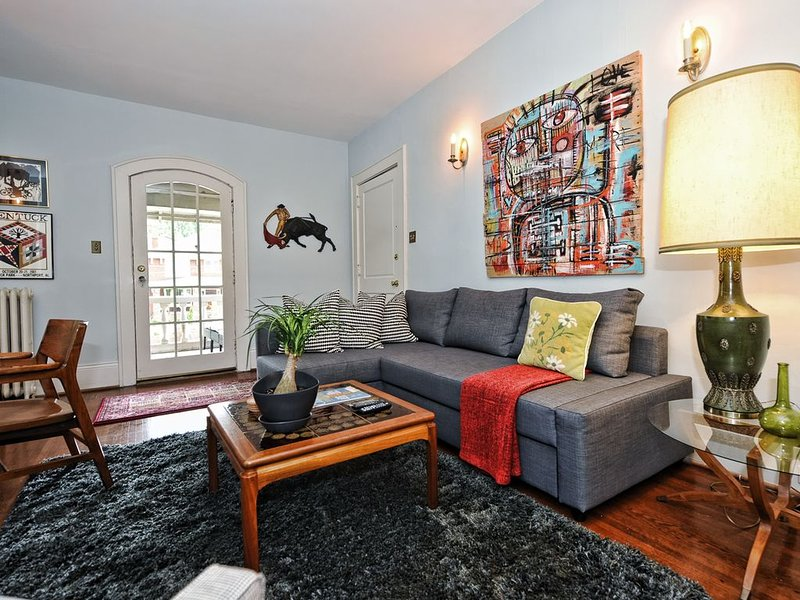 Sweet Furnished Apartment In Historic Elizabeth-Take Streetcar Uptown, location de vacances à Charlotte