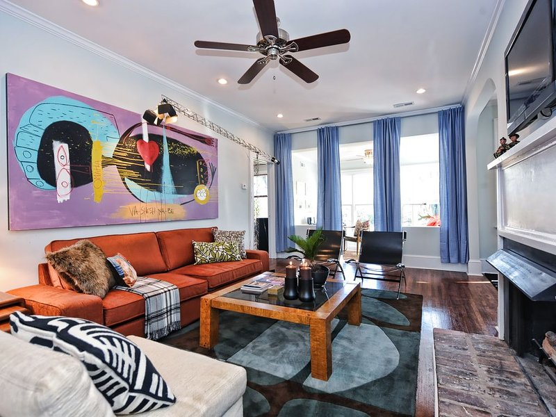 2br/2ba In-Town Condo with Sleeping Porch - Myers Park, location de vacances à Charlotte