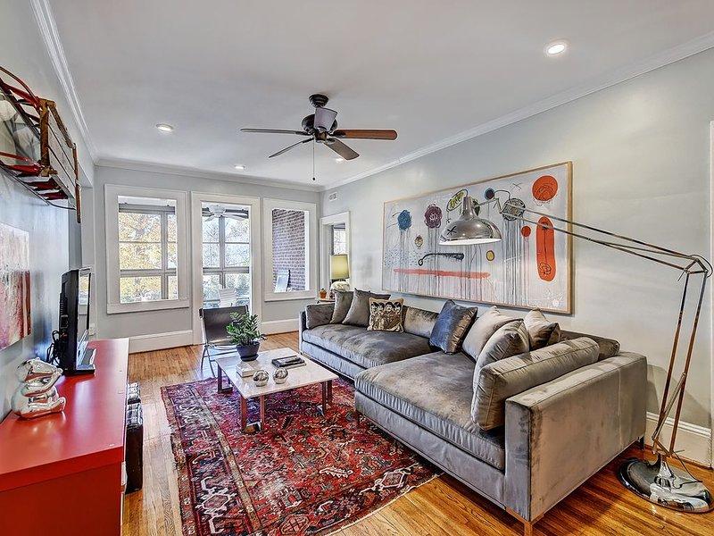 Charlotte Furnished Apartment in Myers Park-deck and sunporch, location de vacances à Charlotte