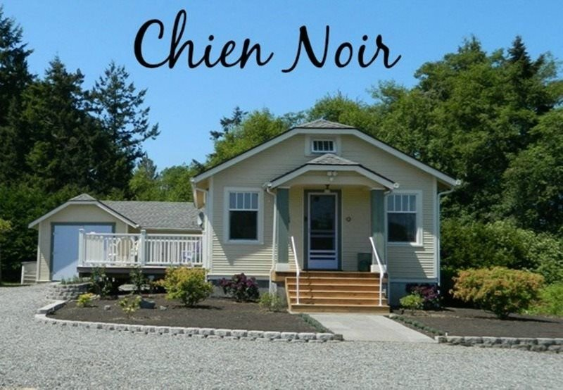 House on a Private Five Acres, Olympic Mountain Views, Pet Friendly  Sweet and T, vacation rental in Sequim