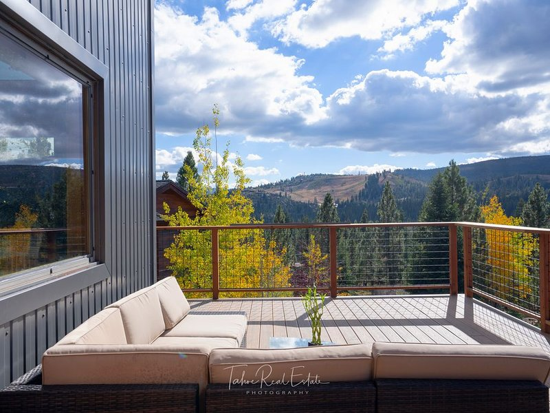 Stunning View Home perfect for families who love outdoor activities, holiday rental in Truckee