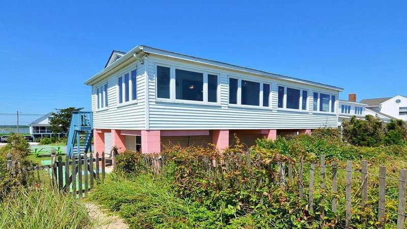 Beachfront Sunrise  - Waterfront house w/ bay and refuge views, holiday rental in Broadkill Beach