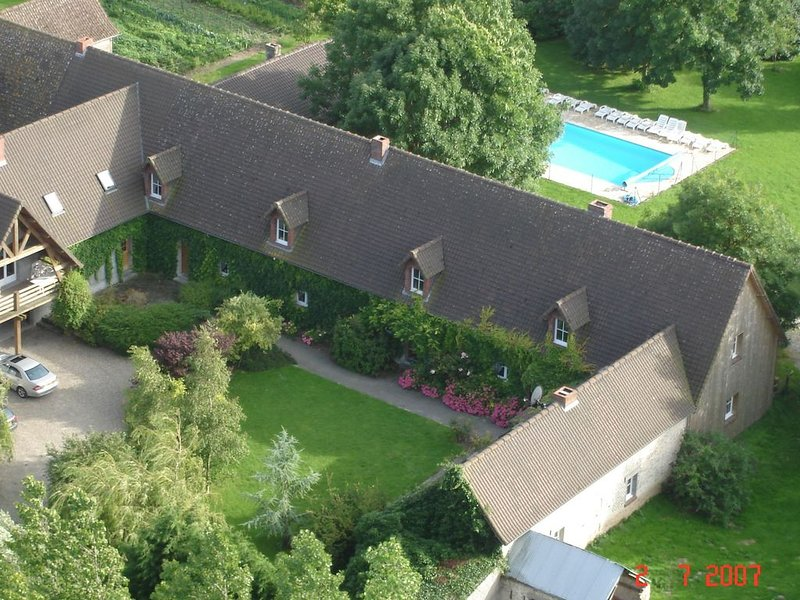 Peaceful Holiday Home in Quend with Swimming Pool, holiday rental in Villers-sur-Authie