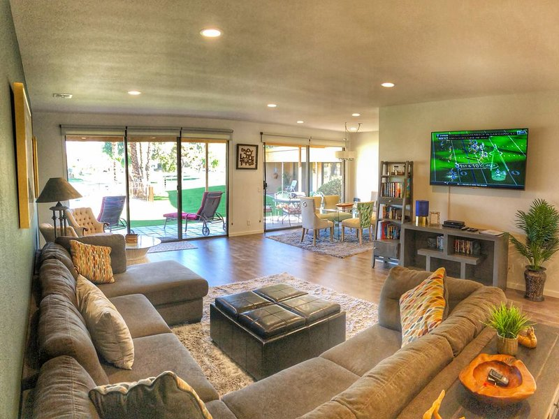 Newly Remodeled Unit With Pool, Golf Course And Mountain Views!, casa vacanza a Bermuda Dunes