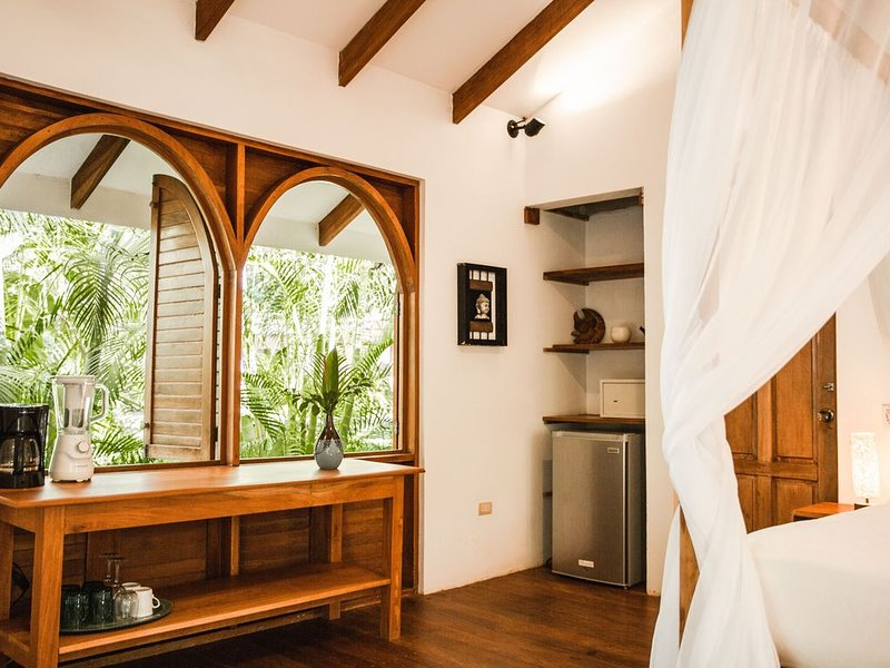 Charming Beach Front Bungalow -South Cabin - This is one of two bungalows, holiday rental in Santa Teresa