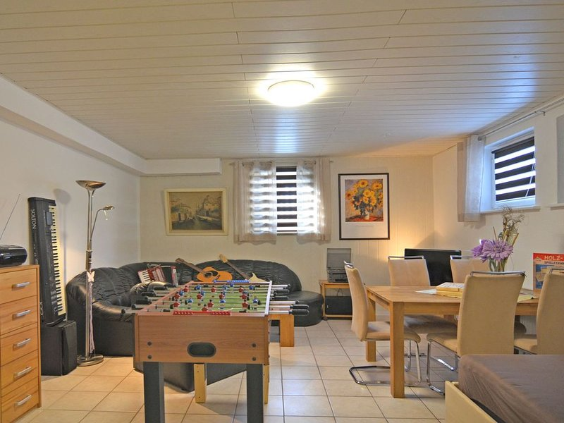 Wonderfully located property with beautiful views to the nearby Diemelsee, vacation rental in Marsberg