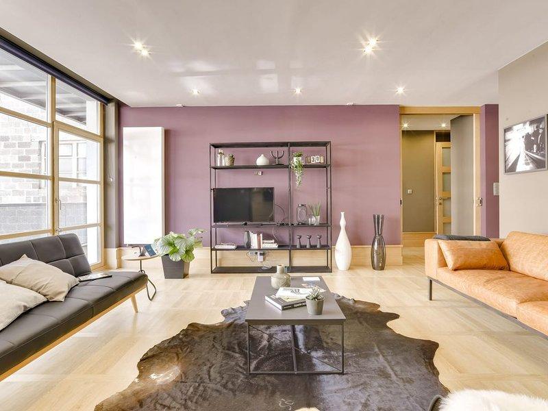 Couronne I - Trois Chambres Appartement, Couchages 7, location de vacances à Etterbeek