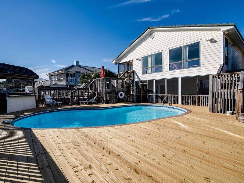 Beach, neighborhood beach just 100 yds - PRIVATE pool, holiday rental in Gasque