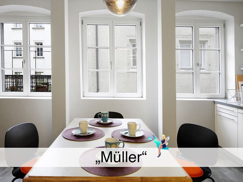 Neu und hochwertig sanierter Altbau, Wohnküche, Lindau-Insel mit 1a Lage, vacation rental in Dornbirn