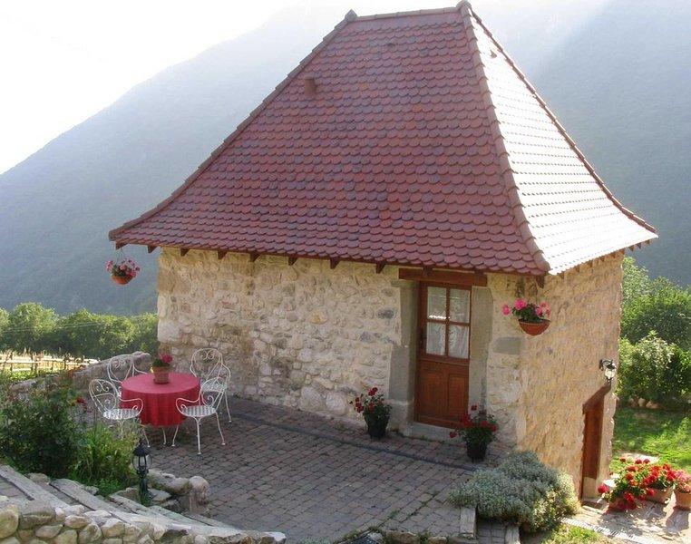 Charmante maisonnette classée au patrimoine de chartreuse, holiday rental in La Sure en Chartreuse