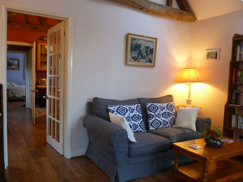 A Pretty Cottage in a Small Village Near Oxford and the Cotswolds, vacation rental in Eynsham
