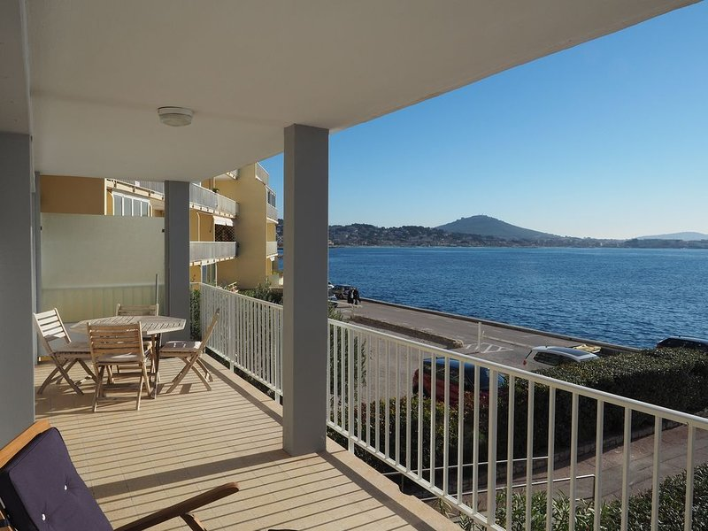 Appartement corniche des Baux Sanary sur mer, location de vacances à Sanary-sur-Mer