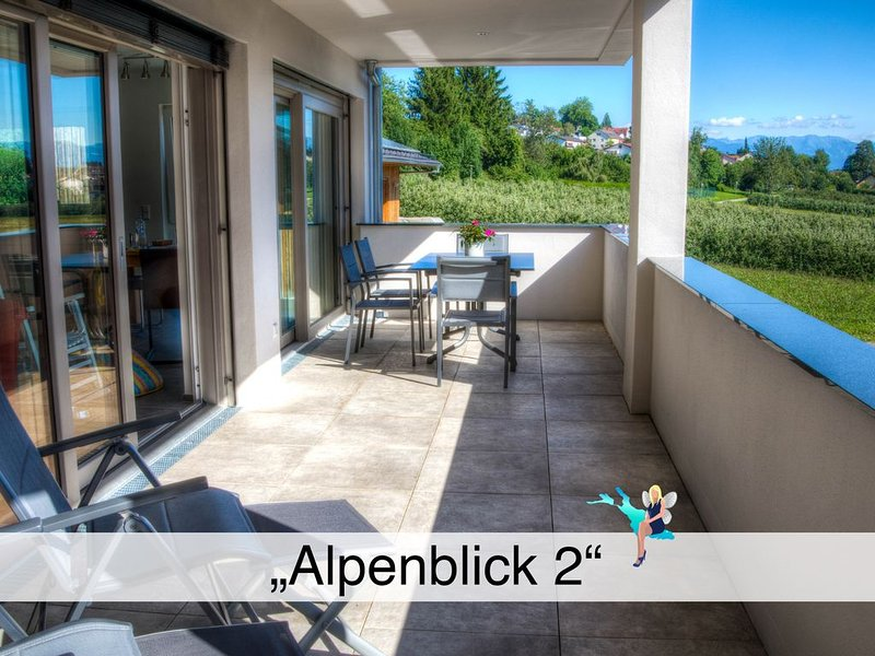 Hochwertiger Neubau, behinderten freundlich, großer Balkon, Blick in die Alpen, holiday rental in Lindau