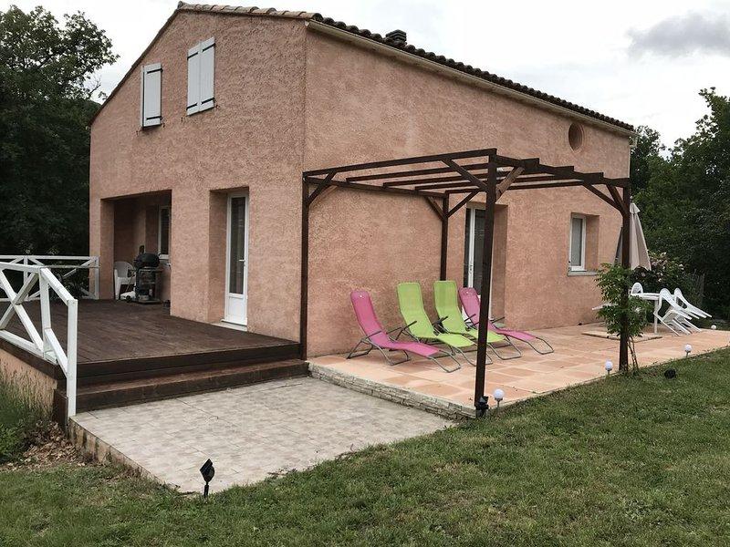 Jolie propriété moderne au sud de la France, holiday rental in Couiza