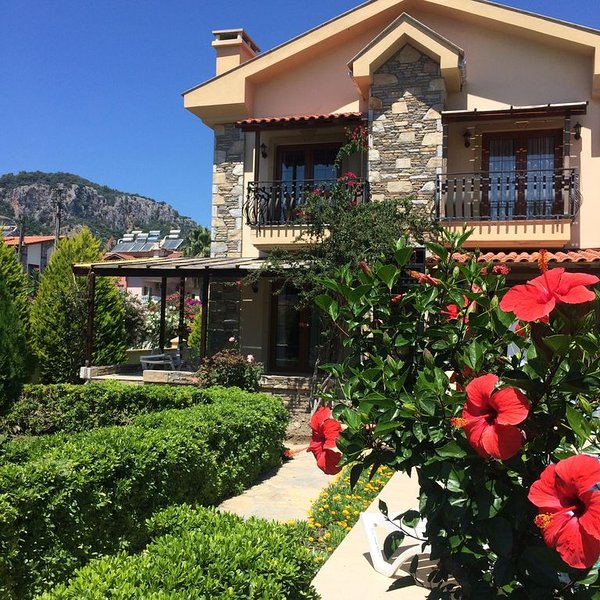 Beautiful apartment with pool/garden in fantastic Dalyan  August availability, holiday rental in Dalyan