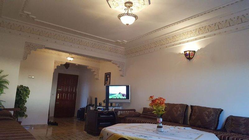 charmant appartement, Ferienwohnung in Meknes
