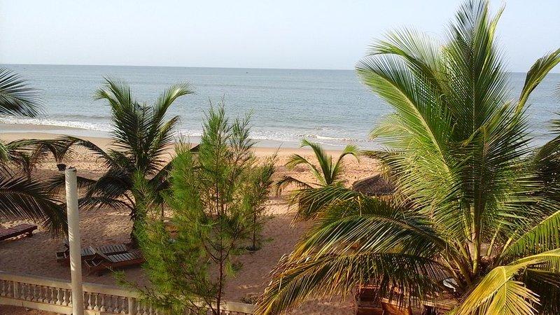 très bel appartement  sur  la  plage, location de vacances à Saly
