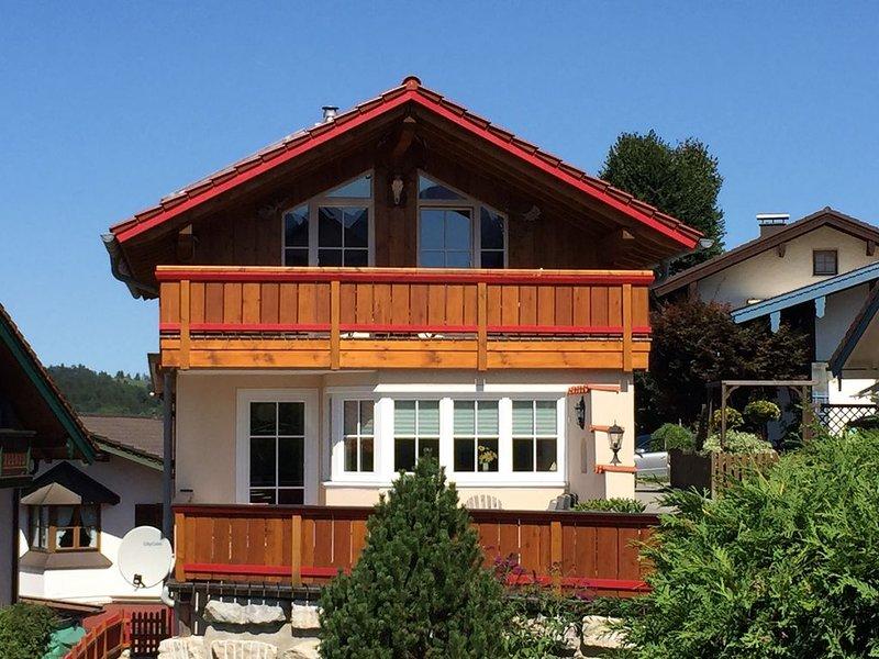 Sehr schönes, komplett eingerichtete Ferienhaus 2 min. von Centrum Ruhpolding, holiday rental in Ruhpolding