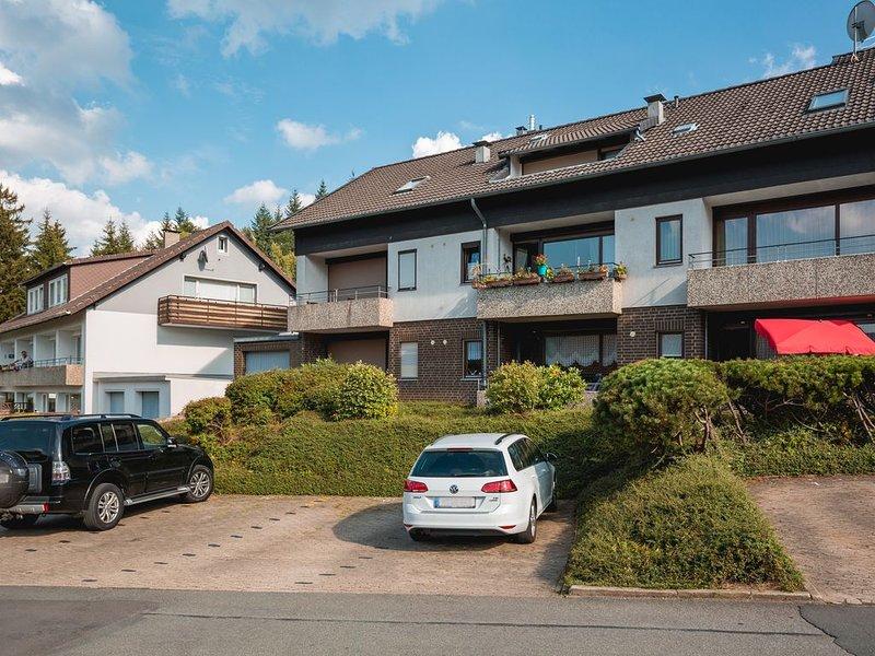 Ferienwohnung mit großem Balkon in herrlicher Berglage, Erholung das ganze Jahr!, holiday rental in Langelsheim