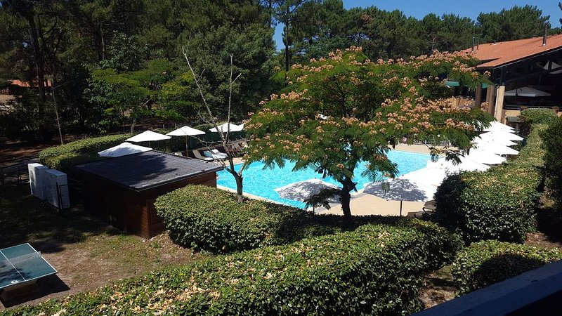 appartement 4personnes/2chambres+piscine, vacation rental in Lacanau