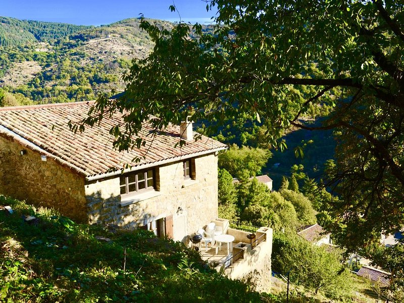The Country house Esquirou, holiday rental in Antraigues-sur-Volane