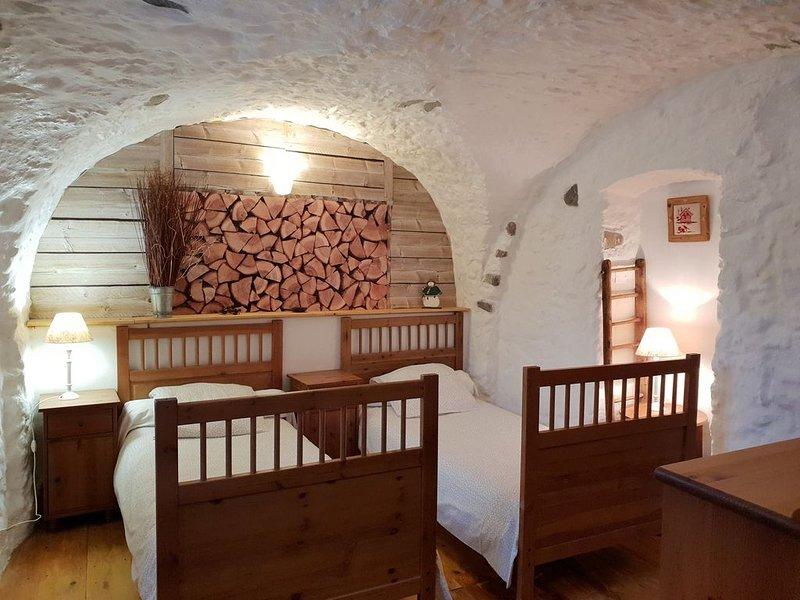 SERRE CHEVALIER Appartement dans maison de Pays, belles prestations., holiday rental in Saint-Chaffrey