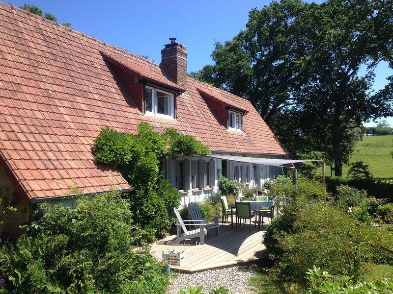 authentique maison normande en colombages avec parc paysagé proche bois et mer, holiday rental in Quiberville