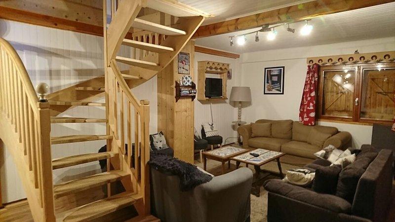 Maison à Annecy, entre Lac et Montagnes, 350m2, 16-18 couchages, location de vacances à Bluffy