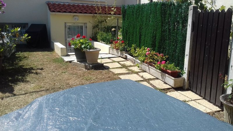 location st jean d'angely 17400, casa vacanza a Charente-Maritime