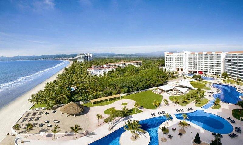 JUNIOR SUITE OCEAN VIEW KING ALL-INCLUSIVE, holiday rental in Nuevo Vallarta