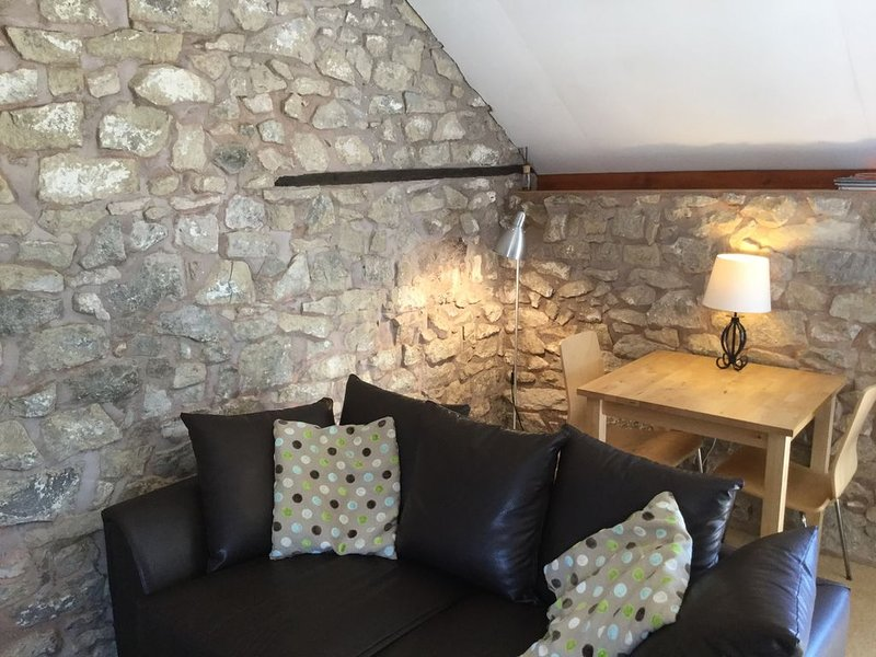 Cosy Loft with Stunning Views, holiday rental in Minera
