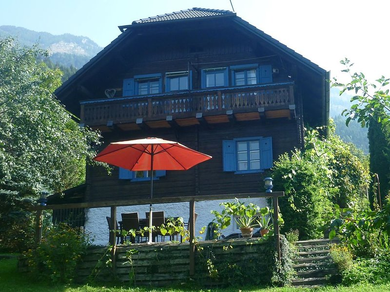Beautiful Traditional Chalet in National Park Hohe Tauern for Mountain Holidays., location de vacances à Kolbnitz
