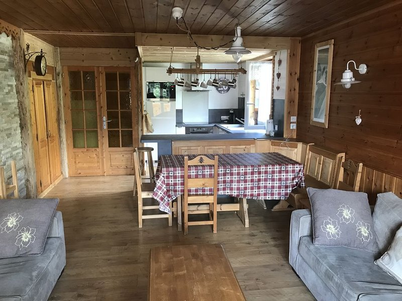 Spacieux appartement rénové - 75m², pied des pistes, idéal famille (équip. bébé), alquiler vacacional en Les Deux-Alpes