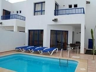 Villa With Private Heated Pool, Ferienwohnung in Yaiza