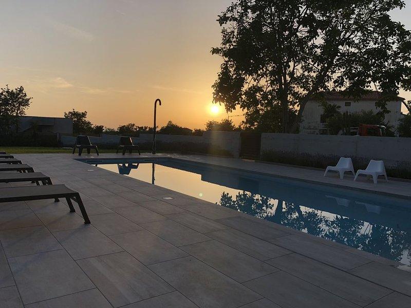 Casa Knauer, Stone Villa, Private Pool, Sea Views, Expansive terraces & Garden, holiday rental in Radini