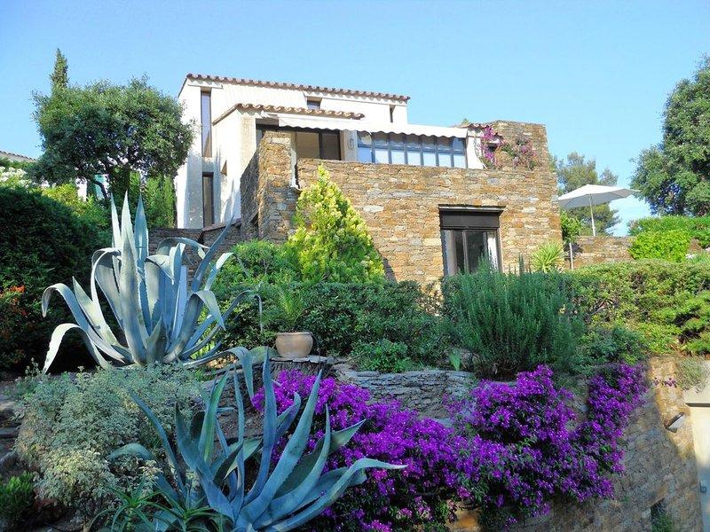 Maison de caractère climatisée  avec garage dans résidence privée trés calme. – semesterbostad i Bormes-Les-Mimosas
