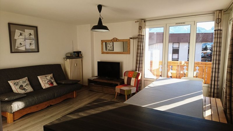 APPART 6-8 PERSONNES PLEIN CENTRE STATION, holiday rental in Les Deux-Alpes