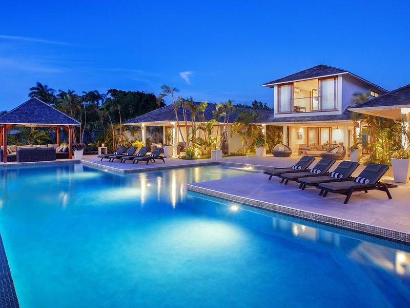 Contemporary Family & Group Friendly West Coast Villa, location de vacances à Saint Peter Parish