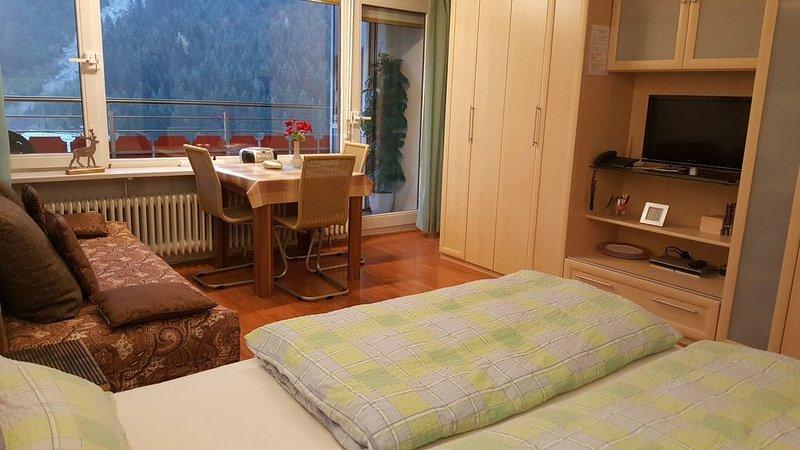 Fewo mit Balkon, Pool, Sauna, Bergblick, Bergb. inkl. im Aparthotel/Mittelberg, aluguéis de temporada em Riezlern