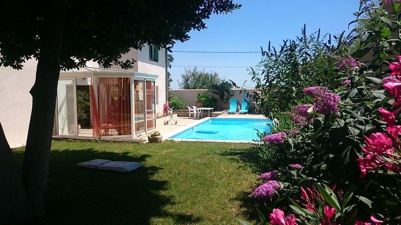 Very nice villa in a quiet pool, alquiler vacacional en Lansargues