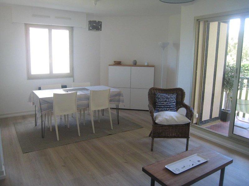 Appartement 68 m² 3 pièces vue mer – semesterbostad i Deauville City