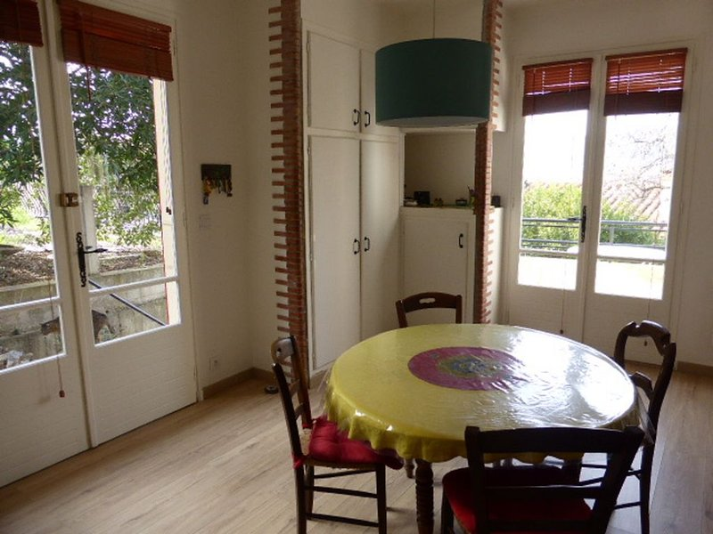 Tautavel: Large house in village between sea / mountain with gardens / terraces, holiday rental in Maury