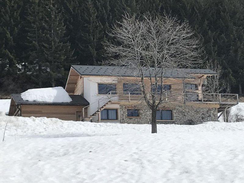 Luxueux Chalet rénové (250m2, 4*) au pied des pistes La Plagne, superbe vue., alquiler vacacional en Montalbert
