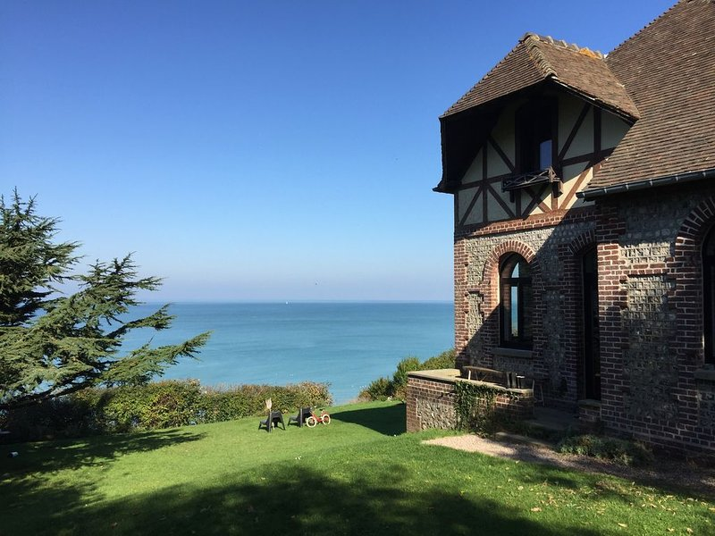 Normandie, panorama unique, holiday rental in Butot-Venesville