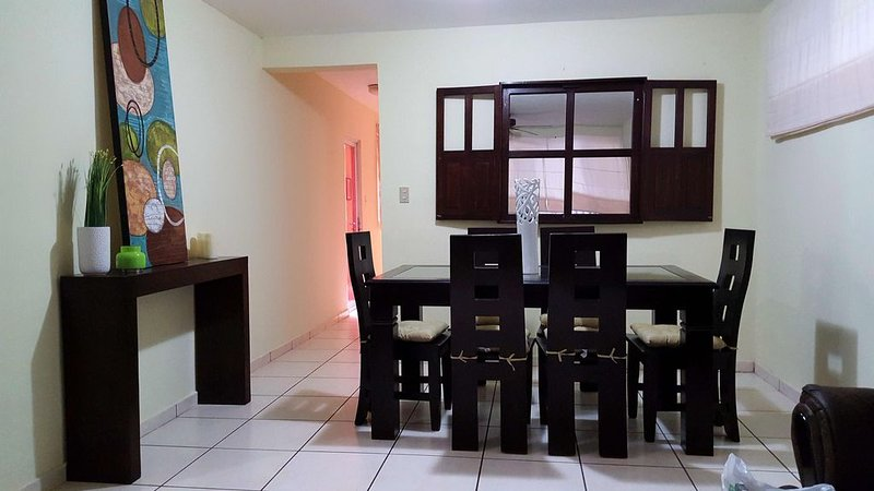 Zona Rosa Is The Best You Can Get Of San Salvador, holiday rental in Santa Tecla