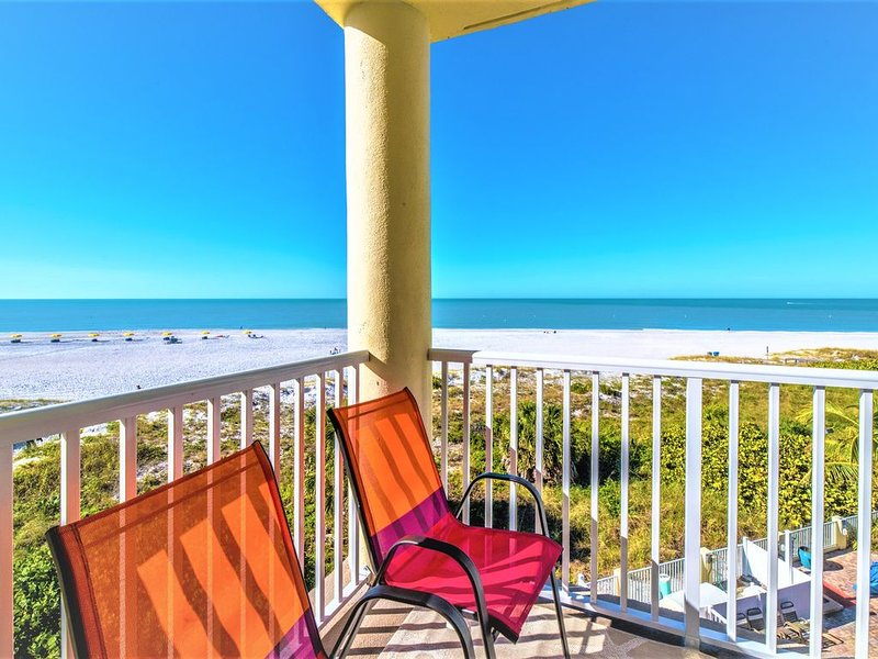Million dollar views 100% Direct GulfFront unit 2BR/2Bath ,Sunset Vistas Resort, vacation rental in Treasure Island
